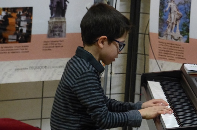 pianoP1180211